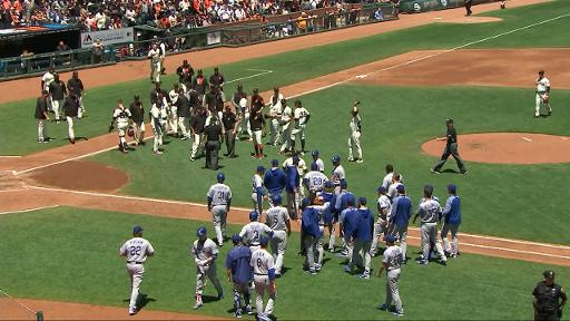 Clayton Kershaw runs through crowd while benches cleared